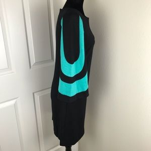 Trina Turk Dresses - Trina Turk black 3/4 length sleeves blue stripes
